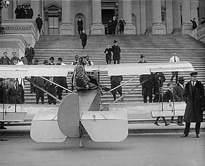 Lawrence Sperry on the Steps of the Capitol Building
